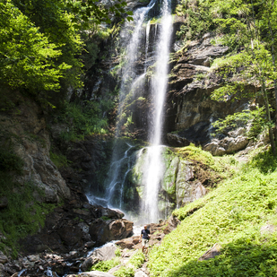 A unique spectacle of nature at the Finsterbach waterfalls