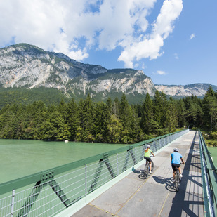 Discovering the various bike trails with the bike busses of the region Villach